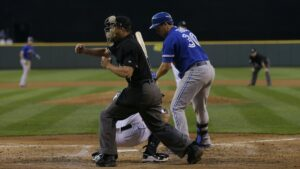 Baseball umpire signals that you should know