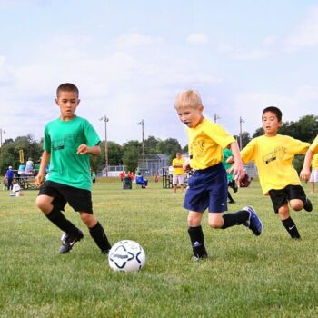 How to Encourage Kids to Play Sports